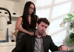 Bodacious Asian secretary Asa Akira gets intimate with her boss