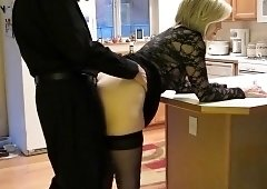 Sexy mature wife in stockings likes to get nailed doggystyle