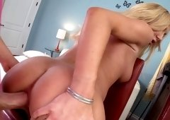 Bubble butt Amy Brooke does anal & swallows man juices