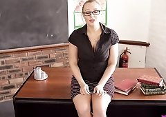Smoking hot teacher gets on her knees for a virtual blowjob