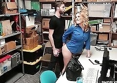 Horny cop Krissy Lynn exposes her bum to the robber and gets fucked by him