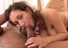 Mature chick Persian Monir cannot resist a black lover