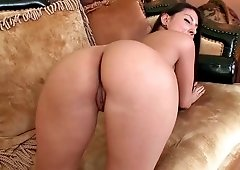 Suave brunette Latina moans while her wet hole is stuffed