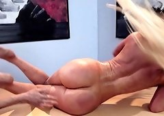 Fake-titted Nicolette Shea having her shaved pussy wasted from boning