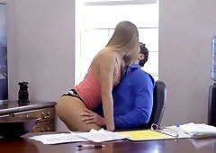 Sex-appeal secretary Sydney Cole is eager for passionate sex with her boss