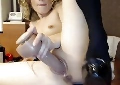 older cam-bitch with a big toy