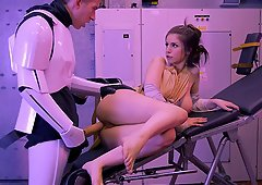 Hardcore Star Wars parody with a huge dick in the chick