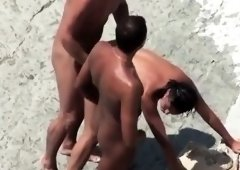 Two amateur hotties in outdoor threesome