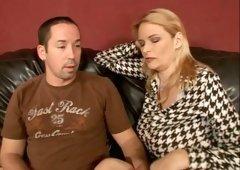 Cougar slut Lynn Lemay gives outstanding blowjob